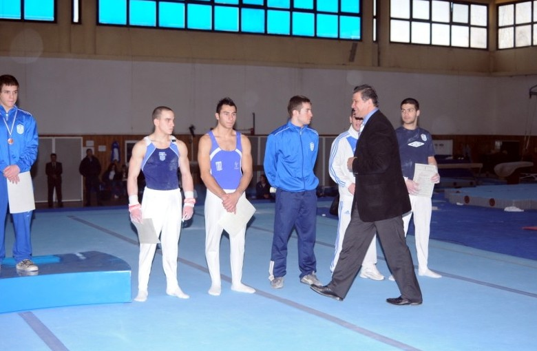 01-fx2-panellinio-enorganis-2008