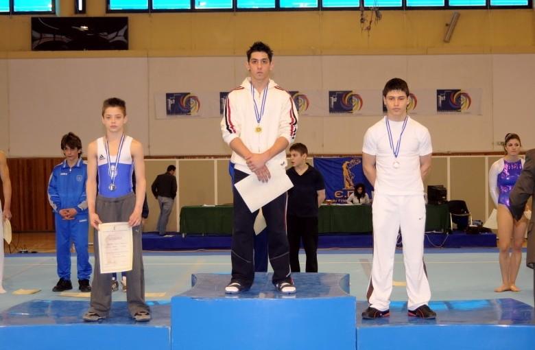 juniors1-fx1-panellinio-enorganis-2008