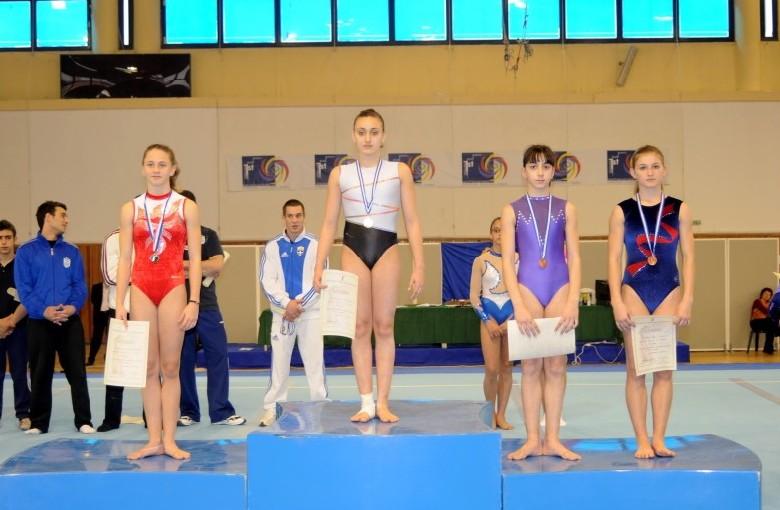 juniors3-bb1-panellinio-enorganis-2008