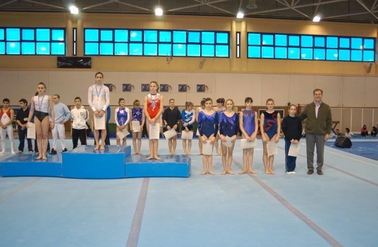 juniors4-fx2-panellinio-enorganis-2008