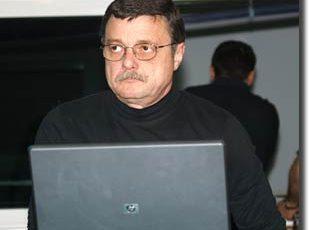 stoica-2008