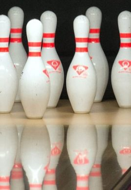 bowling_detail_pins